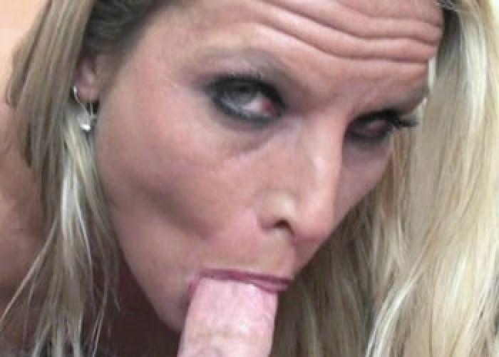 Xxx blonde webgirls skylar rae gives logan a blowjob videos