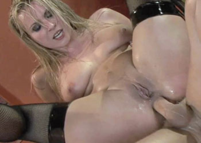 Kinky Harmony gets her ass pounded